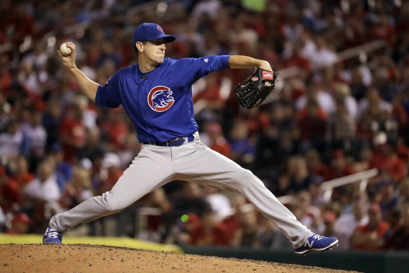 Chicago Cubs starting pitcher Kyle Hendricks throws during the seventh inning of a baseball game against the St. Louis Cardinals Monday, Sept. 12, 2016, in St. Louis. (AP Photo/Jeff Roberson)