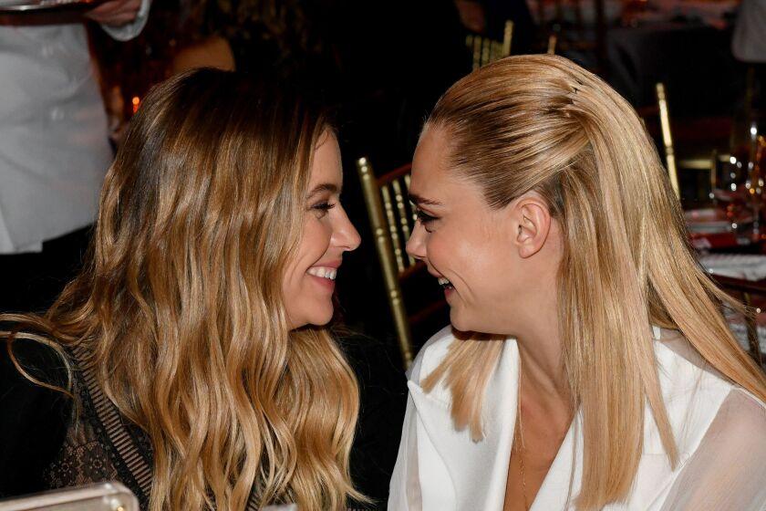 La modelo Cara Delevingne se casó con su novia Ashley Benson en secreto