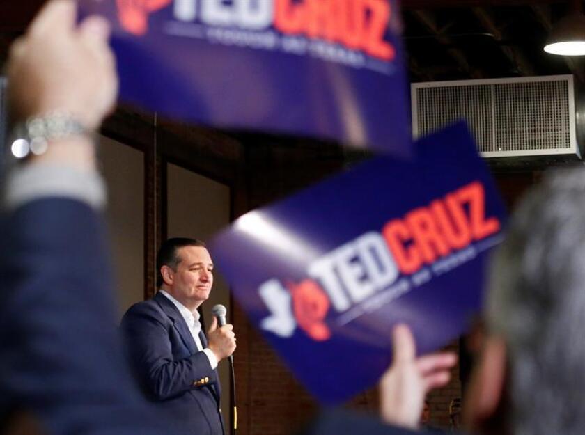 El senador republicano Ted Cruz pronuncia un discurso durante un evento de su campaña electoral en Dallas, Texas (Estados Unidos). EFE