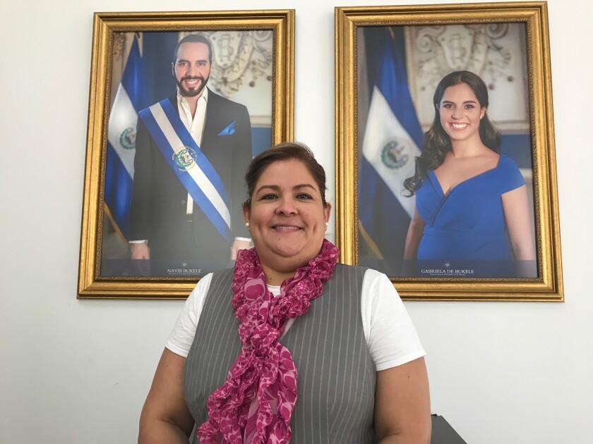 Alicia Villamariona, consul general de El Salvador