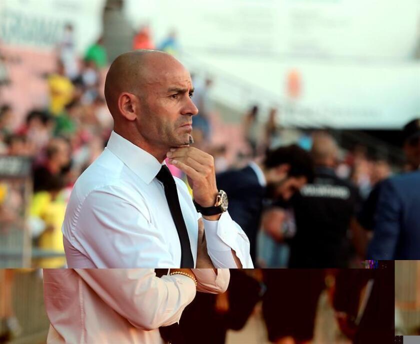 Paco Jémez durante un partido como entrenador del Granada. EFE/Archivo