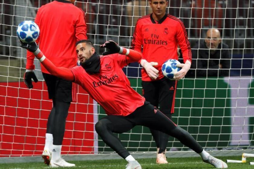 El portero español del Real Madrid Kiko Casilla entrena con el equipo. EFE/Archivo