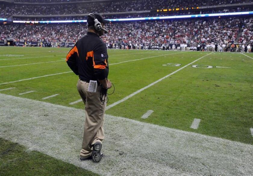 El entrenador de los Cincinnati Bengals Marvin Lewis. EFE/Archivo