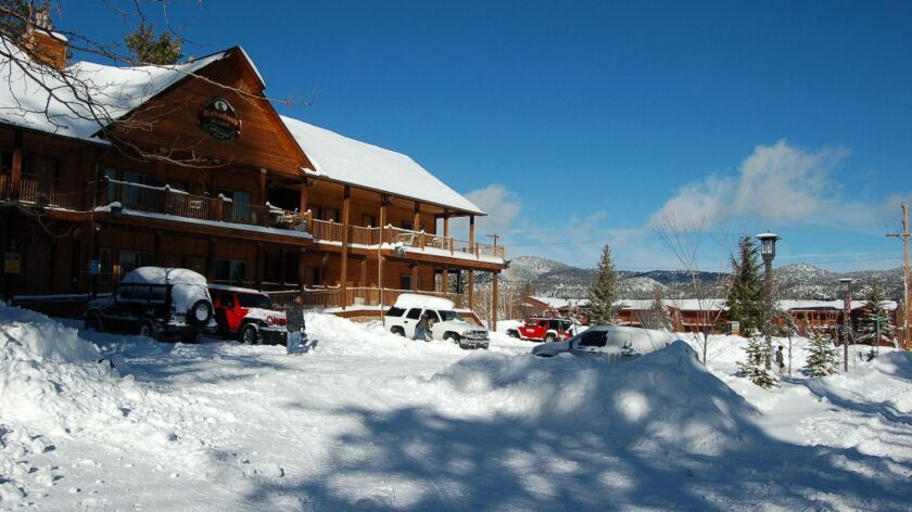 Robinhood Resort in Big Bear has discounts for Sunday through Thursday stays.