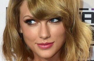 Taylor Swift's Twitter hacked; hackers threaten to release nude pics