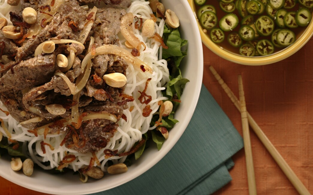 Rice noodle bowl with stir-fried beef (bun thit bo xao)