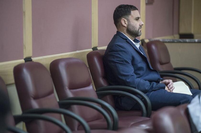 El español Pablo Ibar espera la llegada del juez durante una audiencia en el tribunal de Fort Lauderdale en Florida (EE.UU.). EFE/Archivo