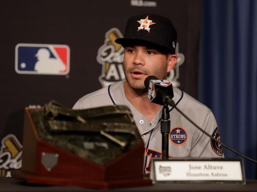 En la imagen, el segunda base venezolano José Altuve, de los Astros de Houston. EFE/Archivo