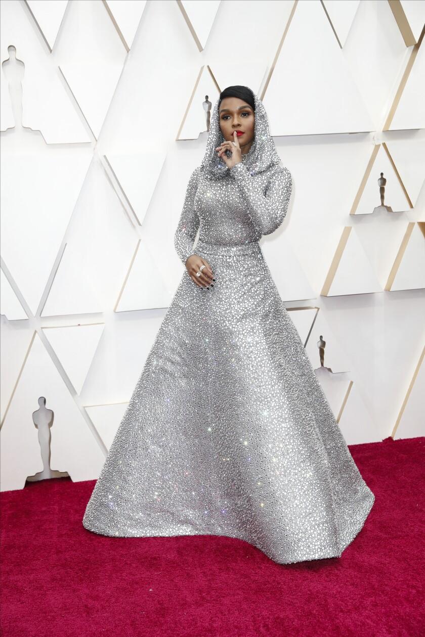 488152_ET_Oscars_Arrivals_JLC_3031-738799-739061 2.JPG