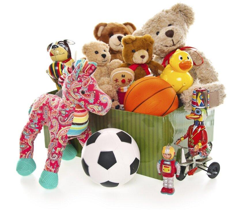 Calendar-Toys_Christmas