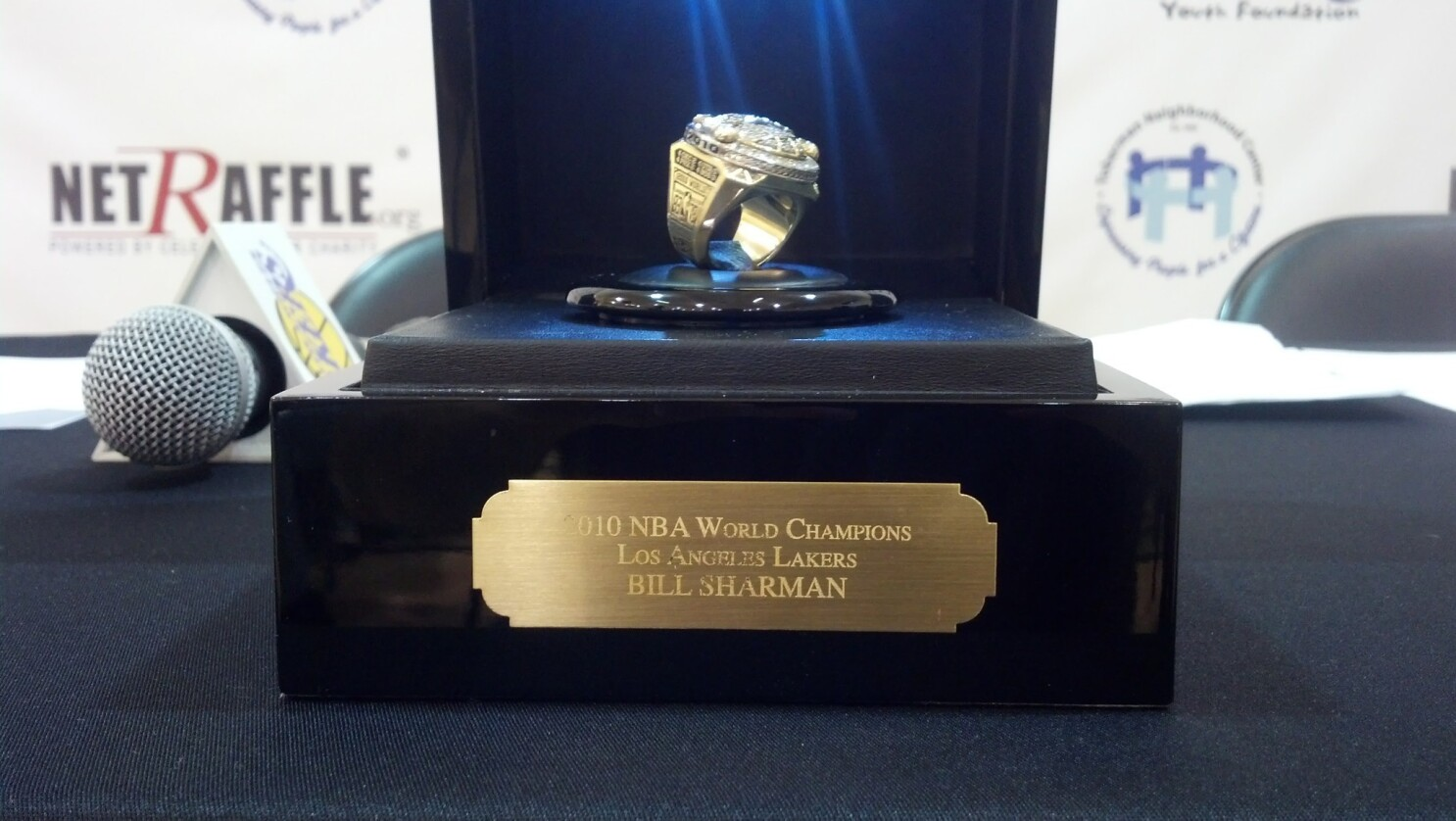 Bill Sharman Auctioning 2010 Lakers Championship Ring For Charity Los Angeles Times