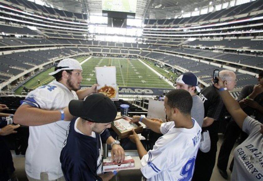 Cowboys Fans Split On Value Of Standing Room Plan The San Diego Union Tribune