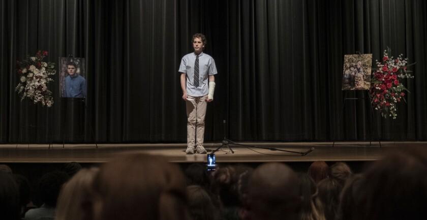 """En esta imagen difundida por Universal Pictures, Ben Platt en una escena de """"Dear Evan Hansen""""."""