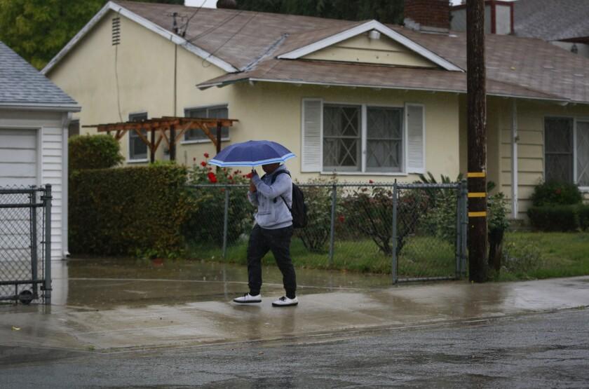 Rain falls in Pasadena