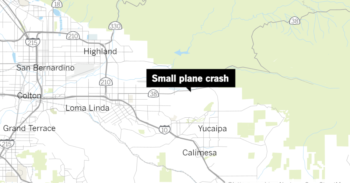 Small plane carrying 3 crashes near Redlands