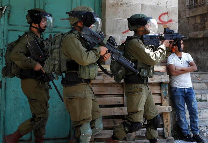 """El Gobierno subrayó hoy que Israel tiene """"derecho a defenderse"""" y culpó exclusivamente al movimiento islamista palestino Hamás de las tensiones en la región, después de que la aviación israelí comenzara una operación militar a gran escala en la Franja de Gaza. EFE/Archivo"""