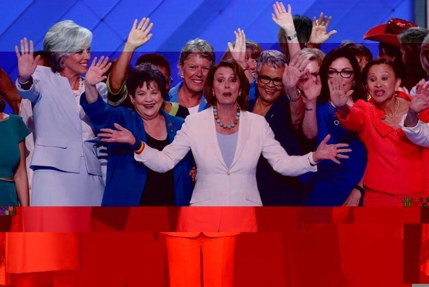 La líder demócrata de la Cámara de Representantes, Nancy Pelosi, fue reelegida hoy por sus correligionarios en el cargo, derrotando al representante Tim Ryan (Ohio), indicaron a Efe fuentes próximas a la legisladora. EFE/ARCHIVO