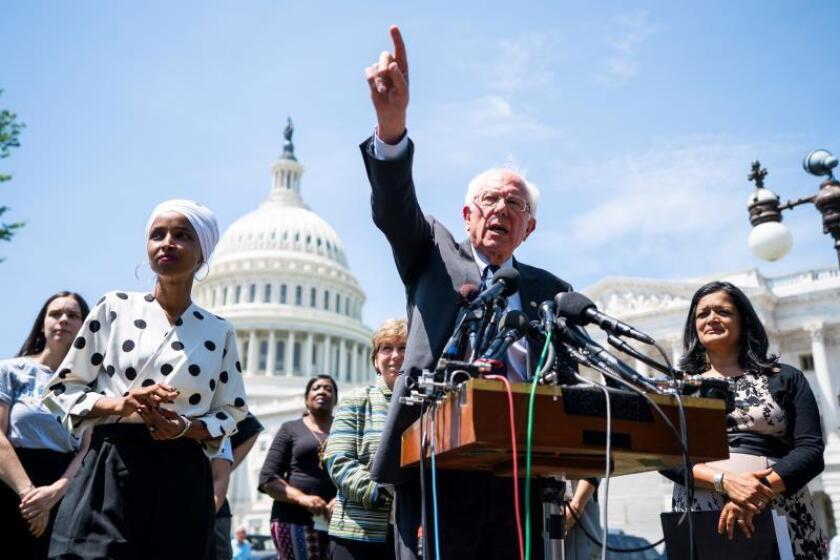 """El debate demócrata se anima con los """"pesos pesados"""" Biden y Sanders"""