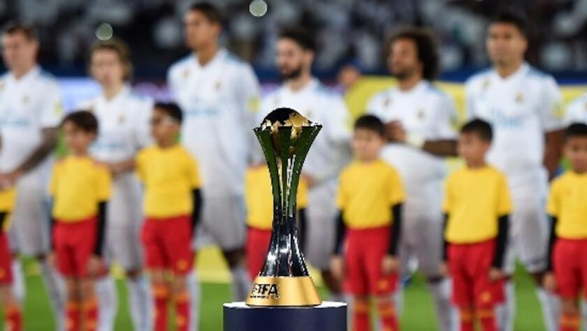 El trofeo del Mundial de Clubes de la FIFA.