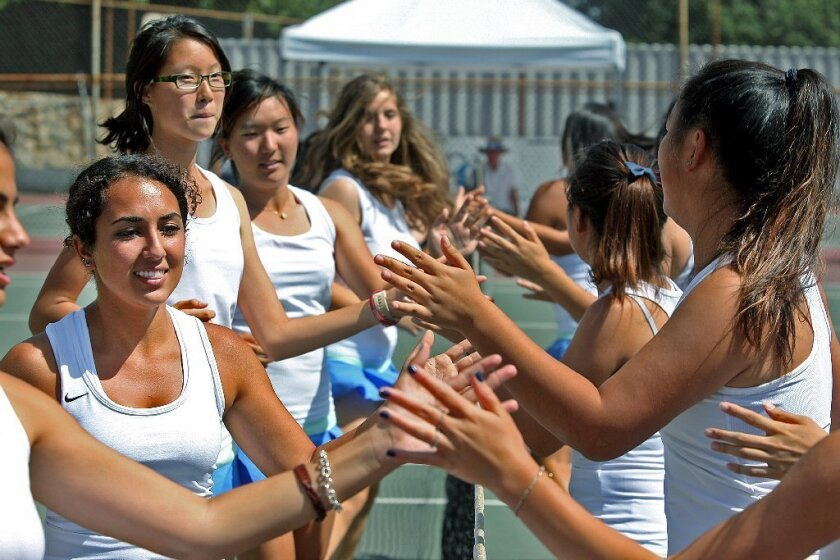 Crescenta Valley girls' tennis looking to rule Pacific
