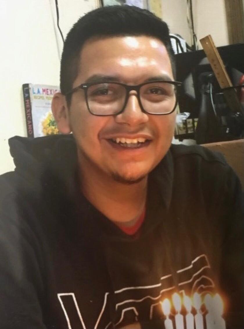 Juan Carlos Hernández, de 21 años, estaba estudiando en El Camino College y solo le falta un semestre para tranferirse a USC.