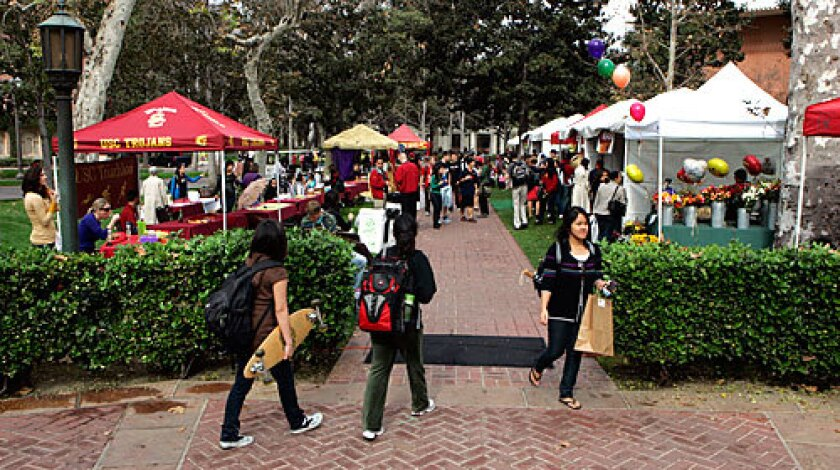 SNACK TIME: Farmers markets are appearing on many campuses, including USC. The events promote a sense of an eco-friendly community.