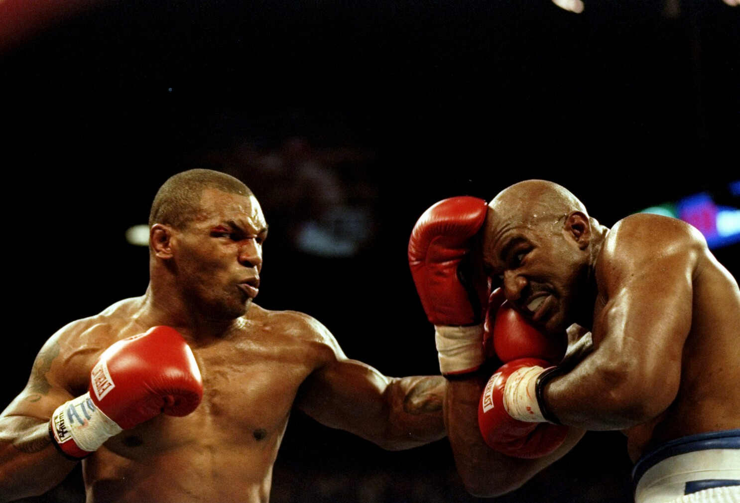 This Day In Sports Mike Tyson Disqualified For Biting In 1997 Los Angeles Times