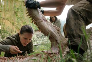 'Annihilation' review by Justin Chang