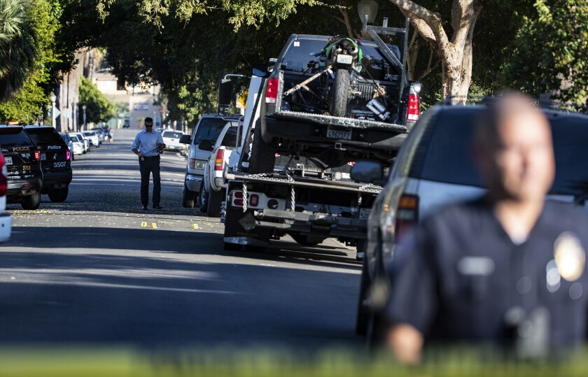 Riverside police detectives investigate tow truck driver shooting