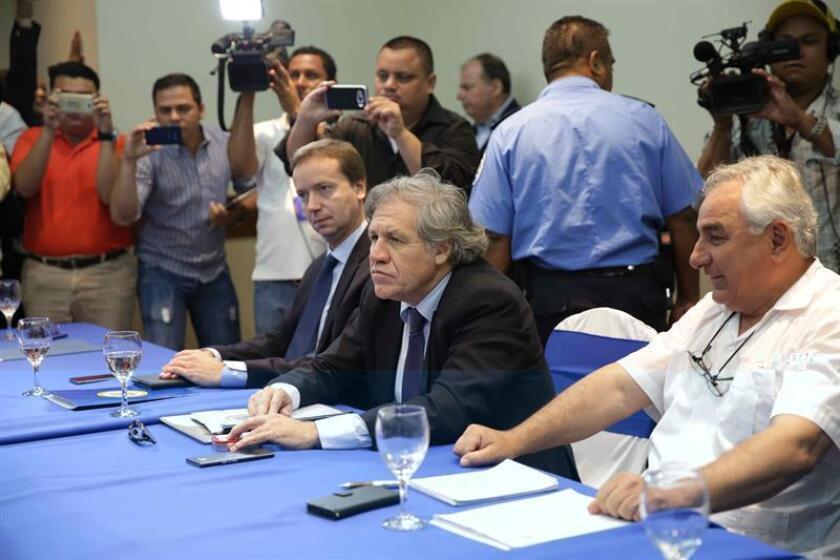 El secretario general de la Organización de Estados Americanos (OEA), Luis Almagro (c). EFE/Archivo