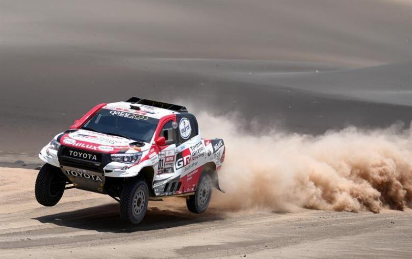 El piloto qatarí Nasser Al-Attiyah (Toyota) la sexta etapa del Rally Dakar 2019 entre Arequipa y San Juan de Marcona (Perú). EFE