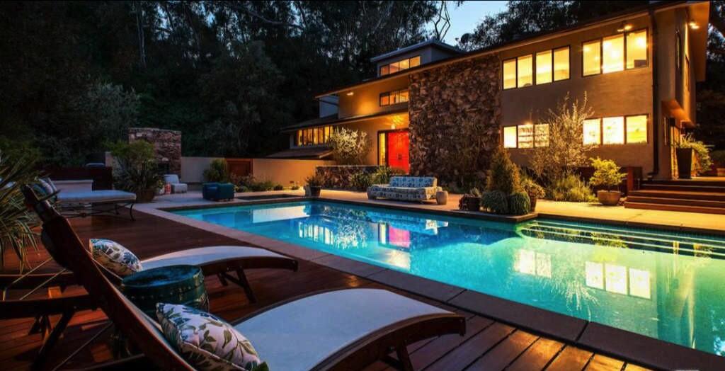 Teri Hatcher's gated estate in Studio City | Hot Property