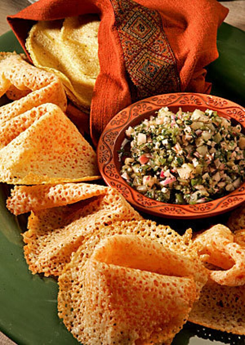 Recipe: Radish salsa and tortillas with <i>chicharrones de