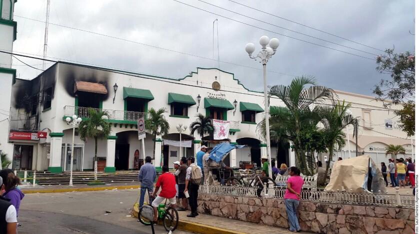 """A dos días de que se reportó su desaparición, el sacerdote católico de Catemaco, Veracruz, José Luis Sánchez Ruiz, apareció ayer con vida. La Diócesis de San Andrés Tuxtla informó que Sánchez Ruiz fue abandonado con """"notables"""" huellas de tortura."""