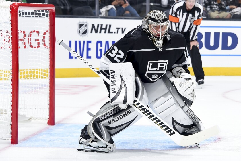 Kings goalie Jonathan Quick plays against the Arizona Coyotes.