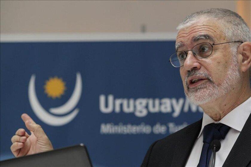Fotografía tomada el pasado 5 de marzo en la que se registró al director nacional de Turismo de Uruguay, Benjamín Liberoff, quien explicó que esperan poder formalizar la candidatura en el comité ejecutivo de la FIFA del próximo mes de junio. EFE/Archivo