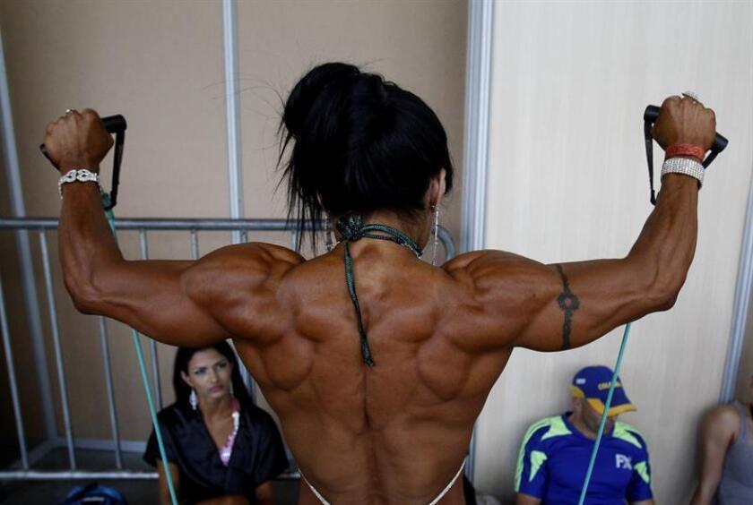 """Muchas personas van al gimnasio y se ponen altas cantidades de testosterona y, en el caso de las mujeres """"también se androgenizan utilizando esta hormona"""". EFE/Archivo"""