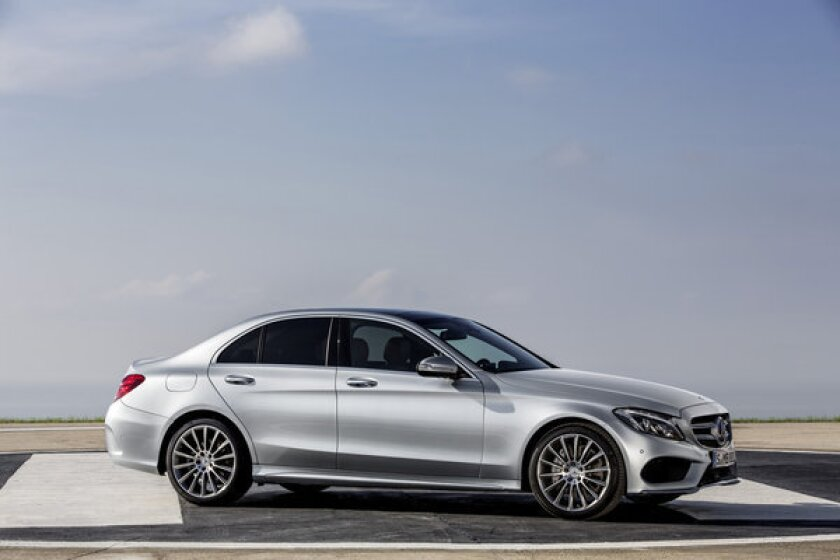 This is the C generation that moves from the entry-level car for luxury aspirants to a truly luxurious sports sedan.