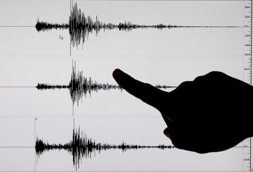 Aunque los movimientos registraron en su epicentro 6,4 y 7,1 grados en la escala de Richter, Shake Alert LA no emitió la alerta porque en Los Ángeles no superó los cinco grados. Es por ello que los usuarios de la aplicación ahora recibirán avisos de seísmos que registren una magnitud de 4,5 grados en esa escala o superior. EFE/EPA/Alanah M. Torralb/Archivo