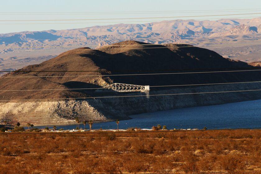 El lago Mead sufre su menor nivel en los últimos 40 años, lo que puede desatar una guerra del agua entre los tres estados a los que suministra: Nevada, Arizona y California.