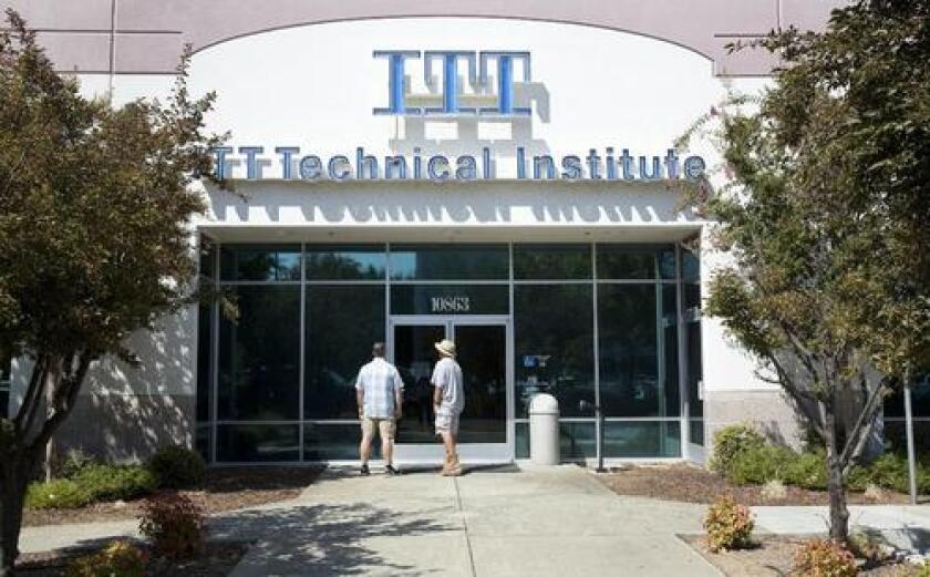 ITT Tech, una de las instituciones postsecundarias con fines de lucro más caras, recibió ingresos de la matrícula y las cuotas de los estudiantes.