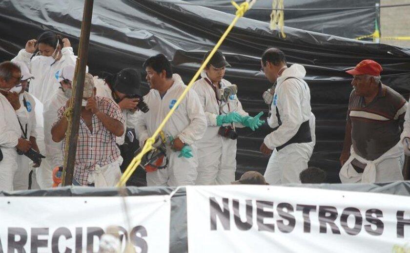 La Fiscalía General del central estado mexicano de Morelos informó hoy que tras 11 días de labores en la fosa de Tetelcingo en la que se estima estaban depositados más de un centenar de cadáveres, fue exhumado el cuerpo número 100.