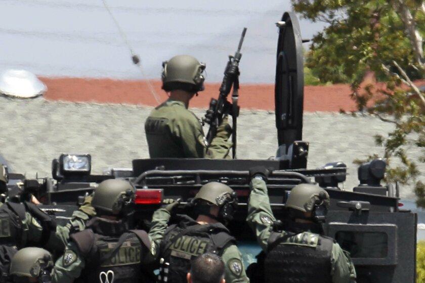SWAT team goes in