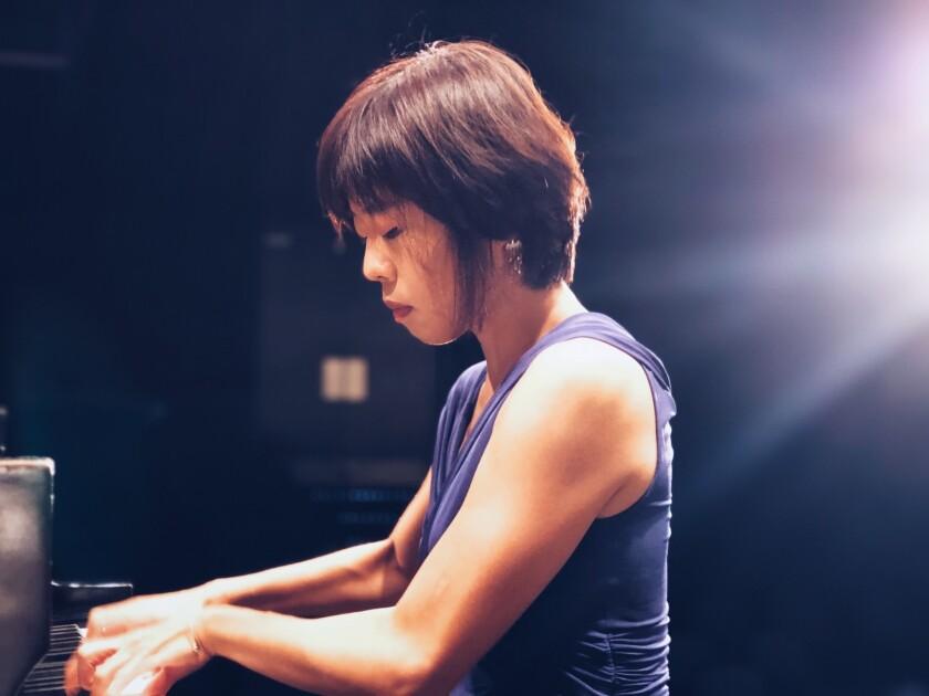 Pianist Lesi Mei