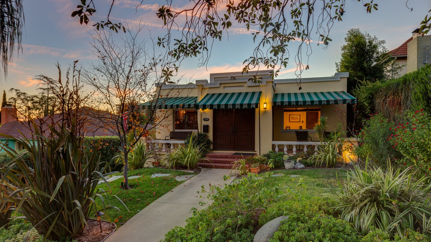 Home of the Day: An eclectic Craftsman hybrid in Los Feliz