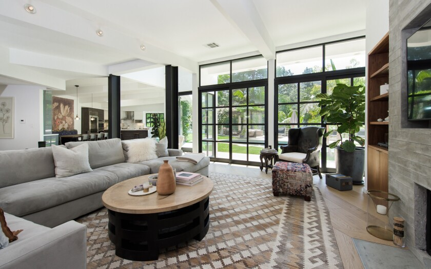 'Glee' star Lea Michele brings Mandeville Canyon contemporary to market