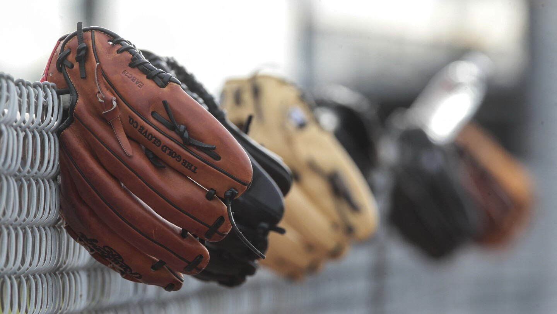 2504756_sd_sp_pitchers_catchers20160217_HP_