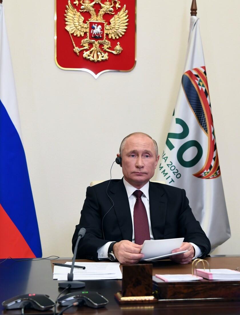 El presidente ruso Vladimir Putin en su residencia en Novo-Ogaryovo