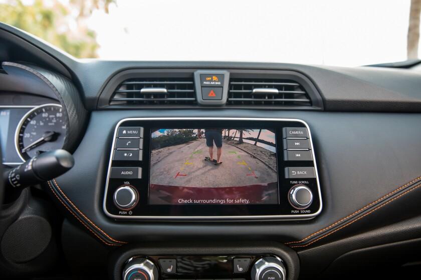 -Nissan-Versa-Camera.jpg