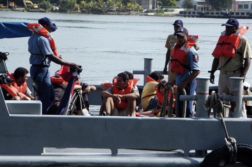 Once cubanos arribaron hoy de forma ilegal a la costa oeste de Puerto Rico, a bordo de una embarcación, informaron hoy las autoridades locales. EFE/ARCHIVO/SOLO USO EDITORIAL
